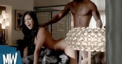 10 Hottest Netflix Sex Scenes