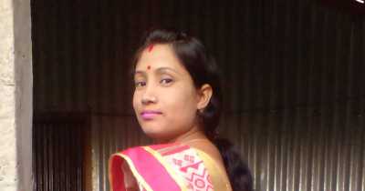 My Side View Pose in Saree